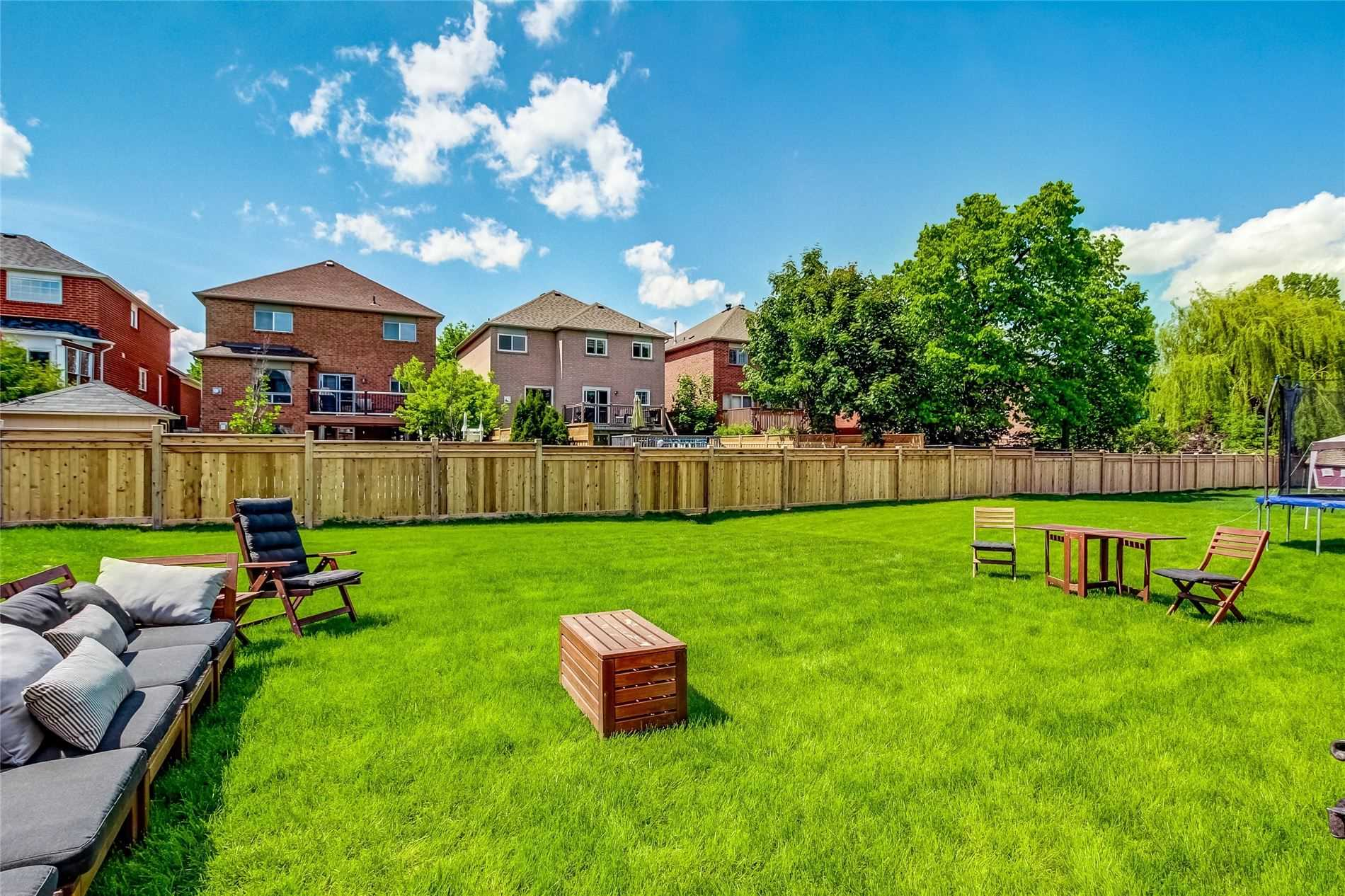 27 Monarch Dr Residential For Sale In Georgetown Halton